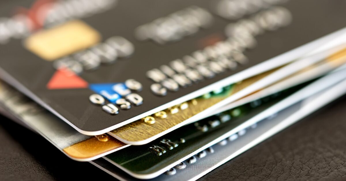 Using Credit Cards Wisely - Featured